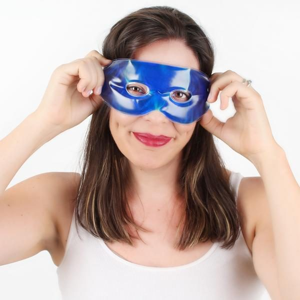 lady wearing solace Gel soothing eye mask
