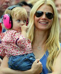 Chris Martin with kid
