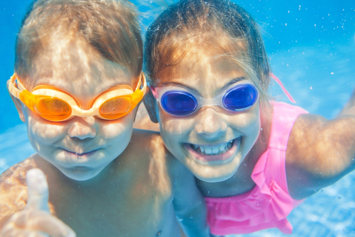 optimized-bigstock-underwater-portrait-kids-56204645.jpg