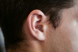 how to insert EARasers Peace and Quiet Earplugs